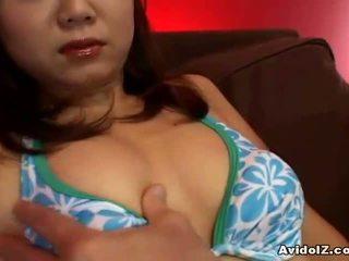 Mamalhuda japonesa jovem grávida banged depois um quente broche