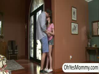 Victoria s boyfriend gets prichytené podľa neslušné krok mama alexandra