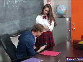 Školačka elektra rose souložit podle učitel
