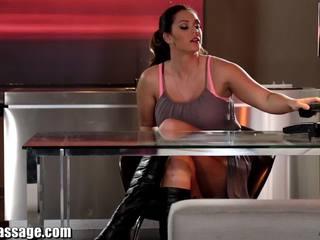 Alla flicka massagen röv massagen och lesbisk licking