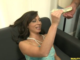 Vannessa willing to take a big cock in her mouth