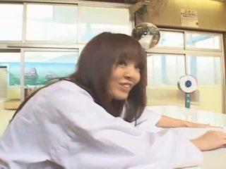 Gjoksmadhe aziatike hitomi tanaka në publike bath