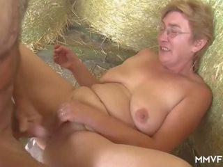 Пухка farmer німецька бабуся, безкоштовно пухка бабуся порно відео