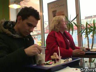 Cock-hungry nagymama gets pounded