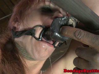 Bdsm sub bella rossi τιμωρημένος/η με clamps