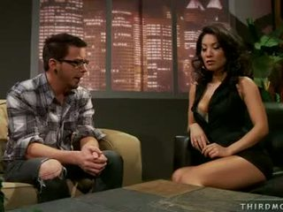 Brunette Babe Asa AKira Is Thumping A Nice Meatpole In And Out Of That Guyr Throat