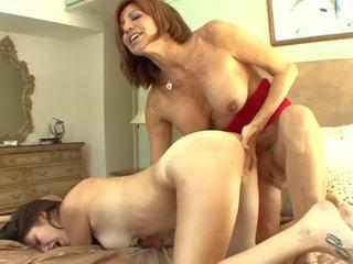 Cycate macocha seduces nastolatka w pussylicking: darmowe porno a7