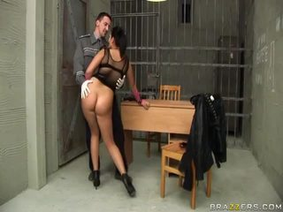 Jasmine ดำ gives ใช้ปากกับอวัยวะเพศ ไปยัง ตำรวจ และ gets ตูด ระยำ