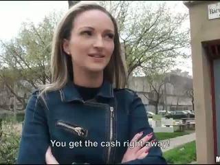 Stram eurobabe melanie knullet til penger