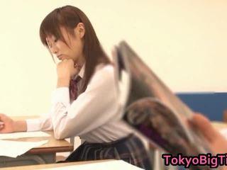 An nanairo azjatyckie modelka jest piękny i duży