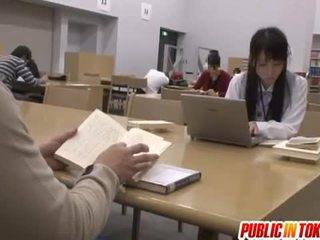 Sexy japansk student knullet i den klasserom
