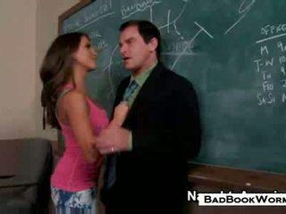 pekný bruneta veľký, všetko študent príťažlivé, každý ústnej