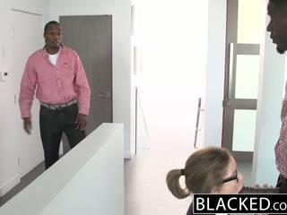 Blacked วัยรุ่น เซ็กส์สามคน ด้วย two สัตว์ประหลาด dicks