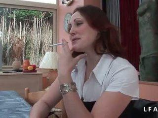Jolie rousse francaise se fait defoncer le petit cul avant un bon tvárové