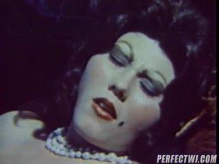 Ekkel vintage porno klipp present av dvd eske