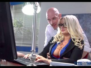 Fucking với thick cô gái tóc vàng thư ký, miễn phí khiêu dâm 41