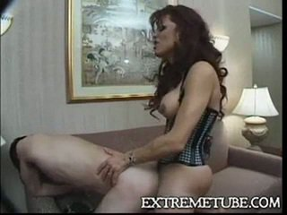 Lingeried ts betje eje fucks a guy