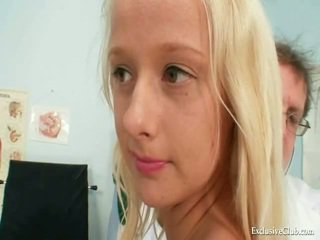 Beaver Exam Of An Gracious Sensuous Blonde