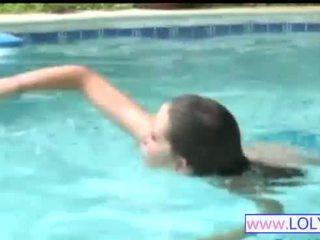 Brooke 에 그만큼 수영 풀