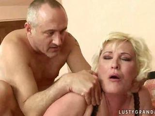 دهن جدة gets لها كس rammed