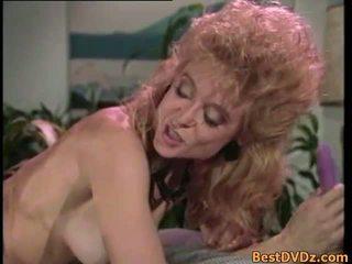 Retro lesbiche licking loro stretta puss