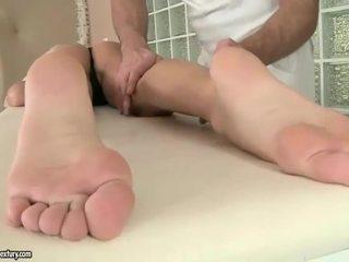 tôn sùng chân, massage, diễn viên
