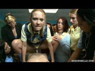Brandi belle और लड़कियों entice unbending wang फक्किंग और सकिंग इसे बंद