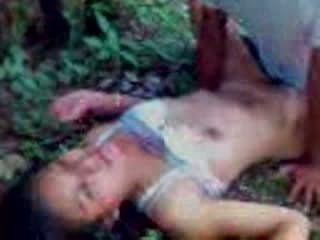 Indiyano tinedyer fucked sa a kagubatan video