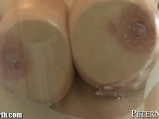 Steamy bathroom fuck for a babe with giant jugs