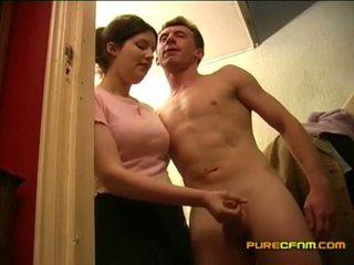 Spying på den nanny runkar off henne boyfriend