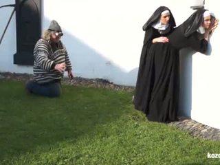 Catholic nuns ja the monsterin! hullu monsterin ja vaginas!