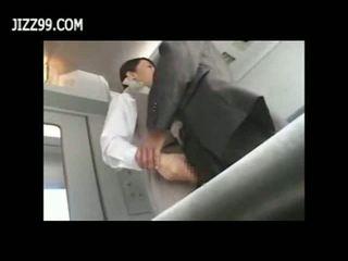 Seksual otly ofitsiantka fucked with passenger