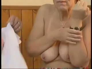 الجدات, القديمة + الشباب, الوجه