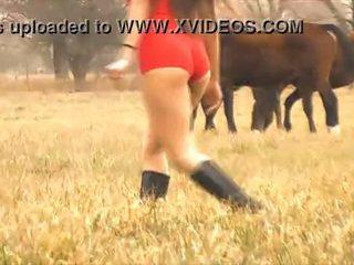 Ο Καυτά κυρία άλογο whisperer - απίστευτο σώμα λατίνα! 10 κώλος!