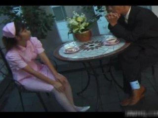 Solbrun amerikansk sykepleier rides zonker