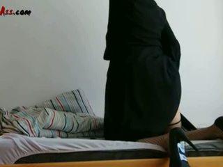 Niqab anální solo na pohovka