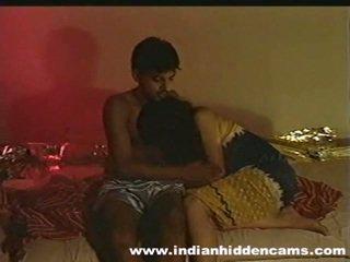 Zaślubieni hinduskie pair w domu zrobienie miłość privacy invaded przez hiddencam
