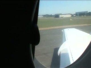 Sarah twain dan yasmine seks dengan empat orangan menyeronokkan dalam yang plane