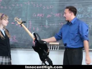 Innocenthigh- söpö punapää fucks hänen opettaja <span class=duration>- 12 min</span>