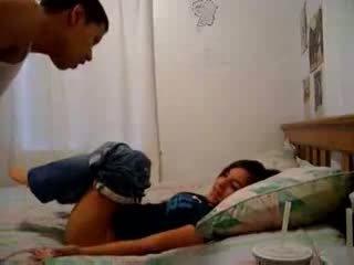Sister recording jos brolis trying į padaryti jį sperma