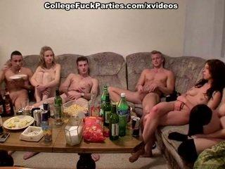 Tšehhi students staged an orgia juures the pidu