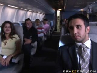 Горещ момичета having секс в а airplane xxx