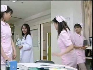 Asiatisch krankenschwester lutschen patient