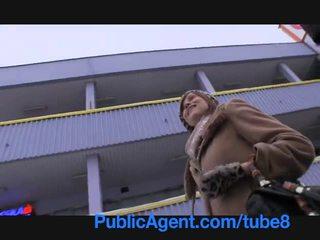 Publicagent গর্ভবতী angelina jolie চেহারা একটি মত takes নগদ টাকা জন্য যৌন