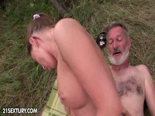 Mida does the nymph dressed sisse mõned sensuaalne pitspesu.