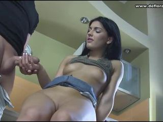 prima volta, video porno, cuties barely legal