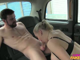 Femalefaketaxi marine gives driver טוב זיון