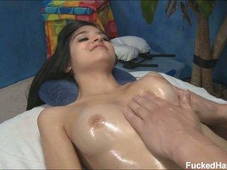 Ładniutka szczupłe zoey receiving masaż