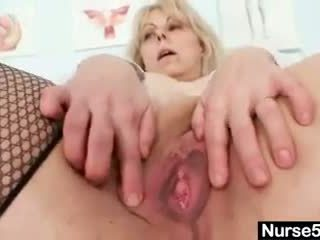 Busty amateur lady moves her pussy mus...