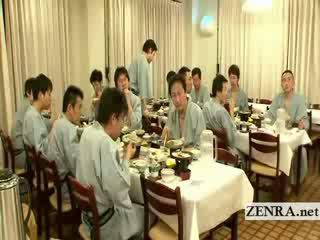 Japānieši kails sushi preparation rets aiz the ainas
